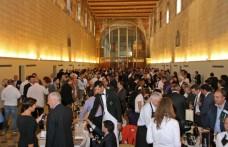 Gli italiani amano i grandi Champagne
