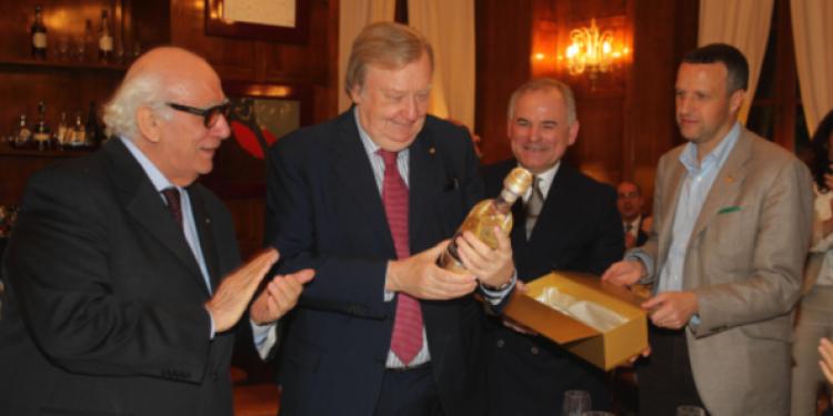 Il Premio Fuoriclasse Castagner al Nobel Carlo Rubbia