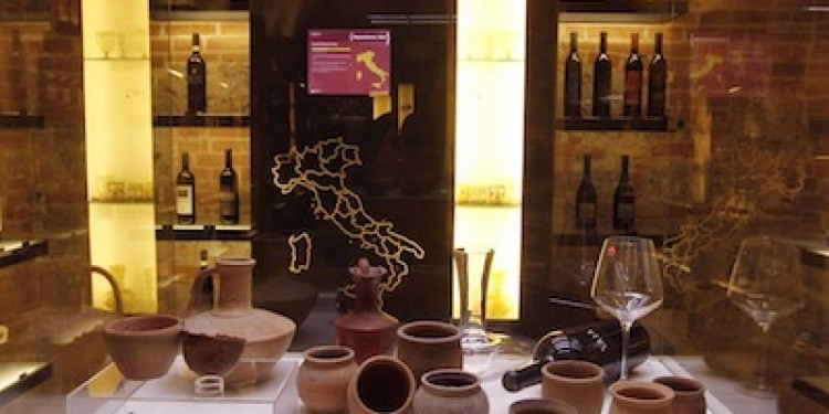 """A San Valentino """"Il vino, l'amore e la seduzione"""" all'Enoteca Italiana di Siena"""