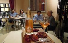 Salami del Sud e Altemasi Rosé Cavit all'enoluogo