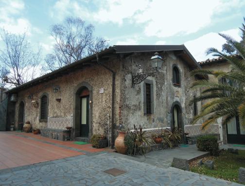 Il giro dell 39 etna in tre giorni vivi viagrande for Case antiche ristrutturate