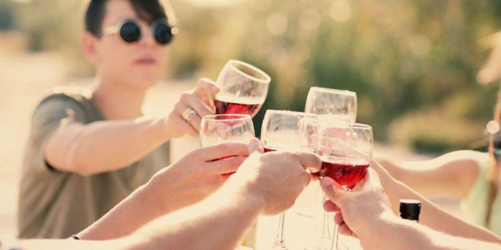Quotidianità e poesia. Il consumo di vino in Italia