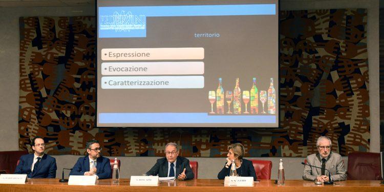 Deve crescere il valore del vino italiano. È il messaggio di Federvini