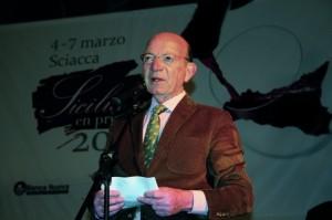 """In apertura, il """"Parlamentino"""" dei produttori siciliani a Sciacca (Agrigento). Sopra, il presidente di Assovini Diego Planeta."""