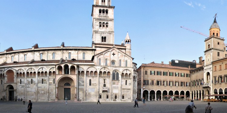 Dove bere a Modena. Un weekend tra mercati, acetaie e Lambrusco