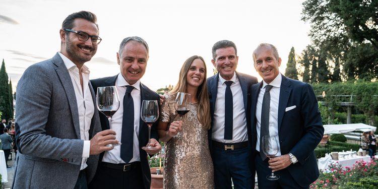 Champagne, Alto Adige, Brunello. Tre selezioni di Famiglia Cecchi Distribuzione