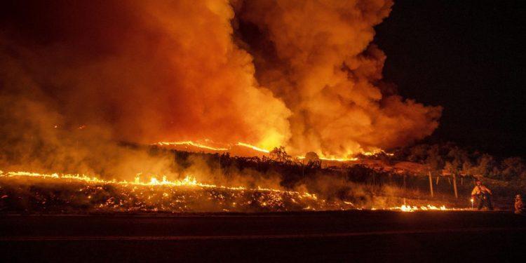 Ancora incendi in California: a fuoco la Sonoma County