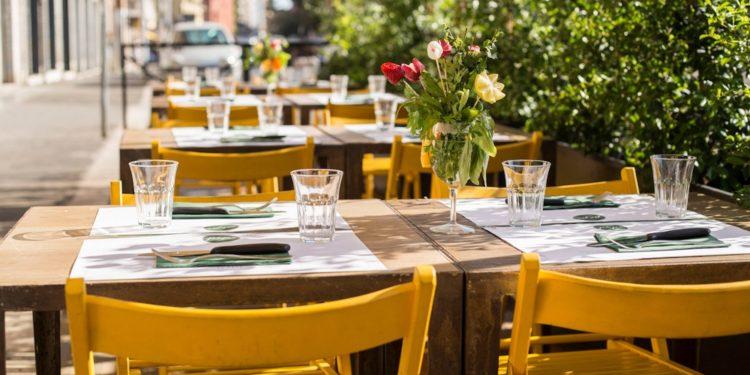 Riaprono i ristoranti (fra mille dubbi)