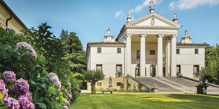 Allegrini e Villa Sandi tra le più belle cantine d'Italia