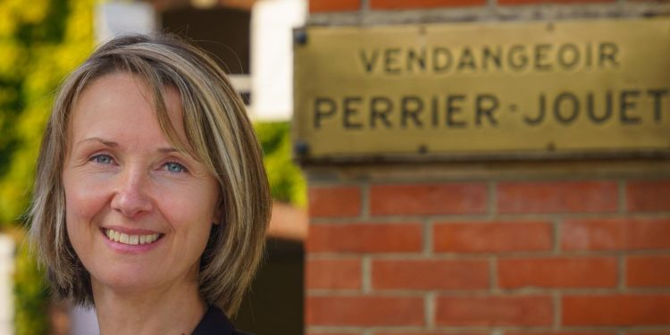 Perrier-Jouët a Milano con passaggio di consegne