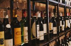 """Il vino in carta nell'era Covid? Italiano e """"a marchio"""""""