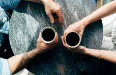 """Il caffè, da rito """"bevi e fuggi"""" ad alternativa allo spritz"""