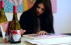 La Pettegola Banfi 2021: Elena Salmistraro firma la limited edition