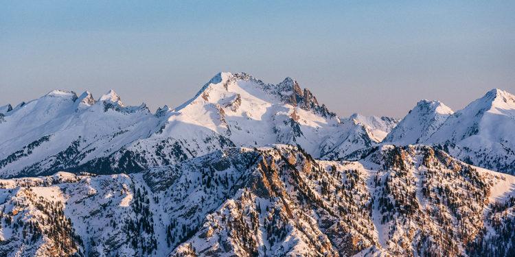 Le montagne dell'Alto Adige nel logo e nel calice di Erste+Neue