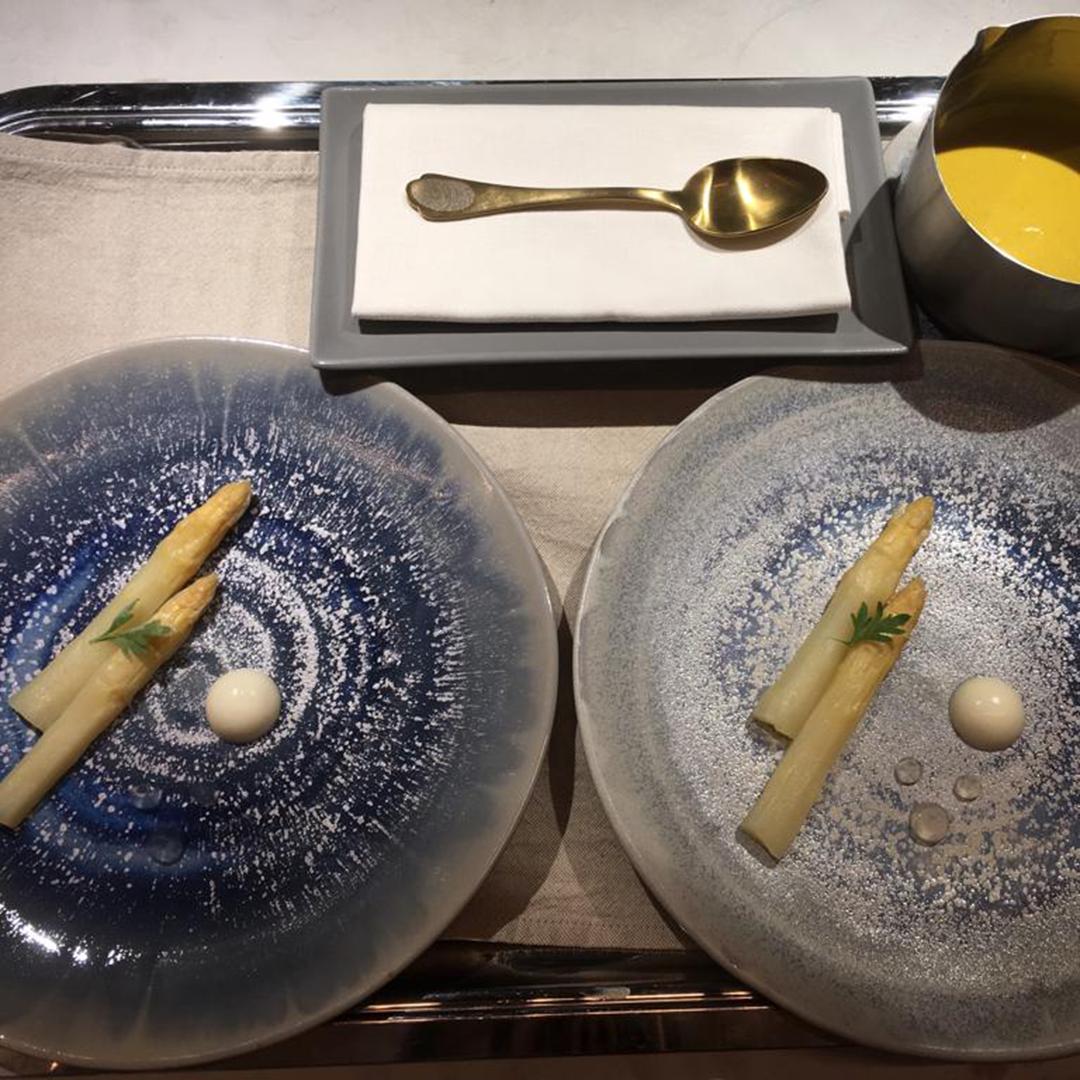 Candito di asparago, crumble alla camomilla, acqua di cedro Nardini , crema inglese alla camomilla