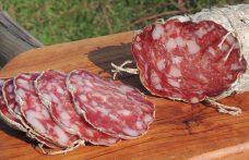 Salumi d'Italia: nel salame nobile del Giarolo i migliori tagli del maiale