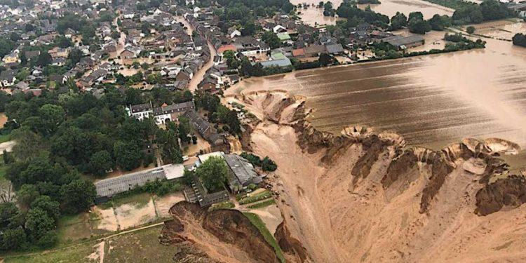 Un aiuto per affrontare la catastrofe dell'Ahr in Germania