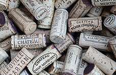 Investimenti di lusso: il vino batte le borse Hermès